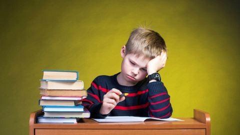 """A legújabb """"gyermekbetegség"""": az iskolai stressz"""