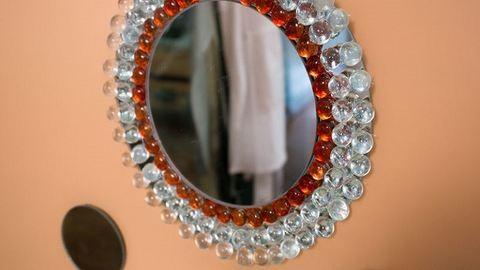 DIY: a te otthonodban is ragyoghat egy ilyen káprázatos tükör