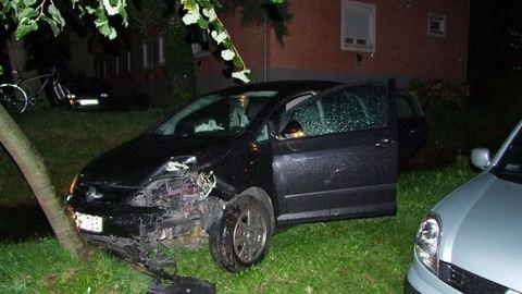 Drogos fiatal zúzott autóval a zalaegerszegi éjszakában – fotóval