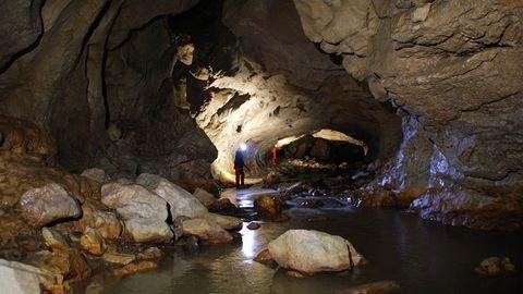 Barlangászok kerültek életveszélybe az eső miatt