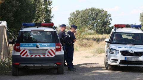 Riasztófegyverrel és késsel támadt egymásra két banda Budapesten