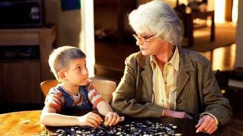 """""""Anyu mint nagymama? Neeeeem. Ül otthon, nézi a Szulejmánt."""""""