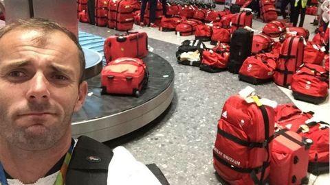 Óriási kihívással kellett szembenézniük a brit olimpikonoknak a londoni reptéren