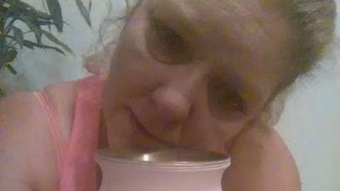 Megrázó üzenetet küldött lánya dílereinek a gyászoló anya