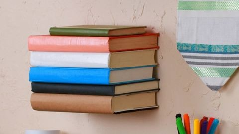 Csinálj magadnak te is lebegő könyvespolcot!