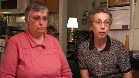 Otthonában gyilkolták meg a két apácát