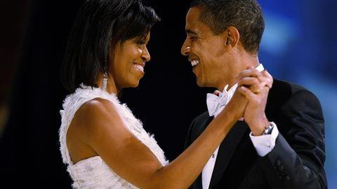 Nézd meg az Obama házaspár legszebb szerelmes pillanatait!