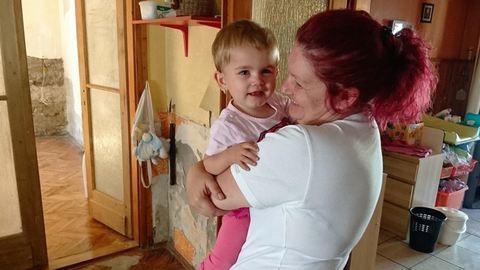 Beszélgetőpartnert keresett súlyos beteg férjének a fiatal magyar édesanya