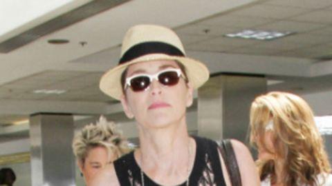 Sharon Stone fél, mert zaklatják