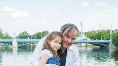 Ilyen nagy már Kálloy Molnár Péter kislánya