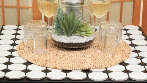 DIY: Egyszerű kisasztalból mutatós lakásdísz