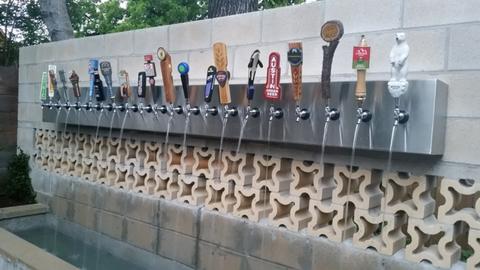 Megnyílt Európa első sörszökőkútja