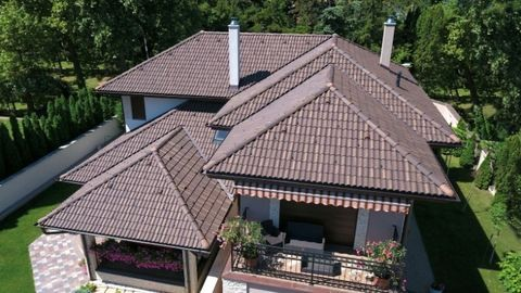 Házat vásárolsz? -  nézd meg alaposan a tetőt is!