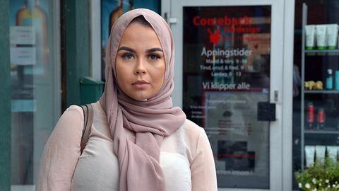 Durva bírságot kapott az iszlámfóbiás fodrász