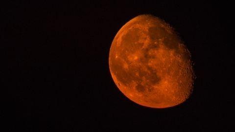 Különleges jelenség: félárnyékos holdfogyatkozás lesz ma este