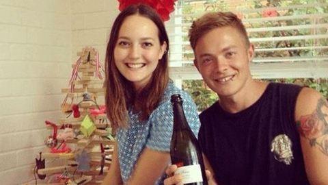 Testvérét ajándékozza meg gyermekkel a fiatal ausztrál nő