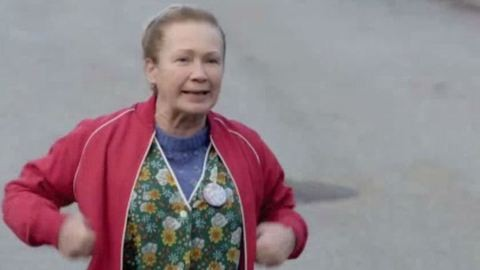 Udvaros Dorottya nejlonotthonkában – videó