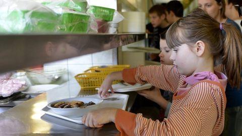 Pénzhez juthatnak a gyerekekre főző konyhák