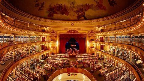 Varázslatos könyvesbolt lett a 100 éves színházból