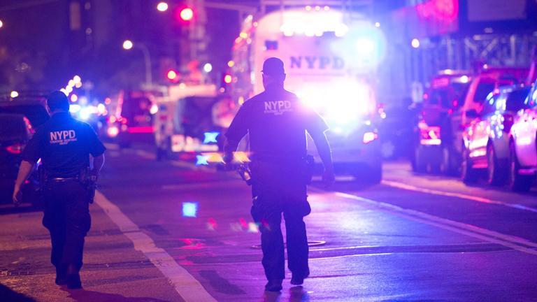 Munkában a New York-i rendőrség a szombati robbantás után
