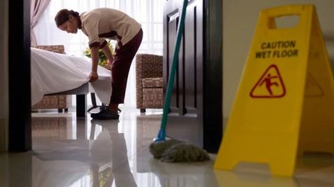Vibrátor, gyémánt, lőszer – ezeket találják a szállodai szobák takarítói