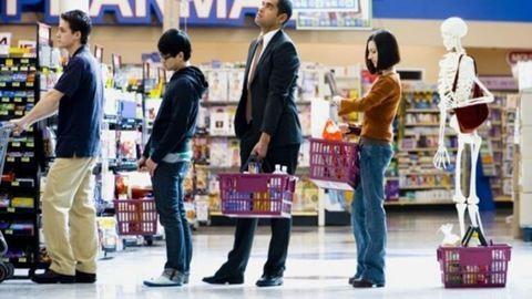 Így állhatsz a leggyorsabb sorba a szupermarketben