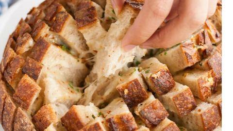 Ezt a sajtos töltött kenyeret ki kell próbálnod!