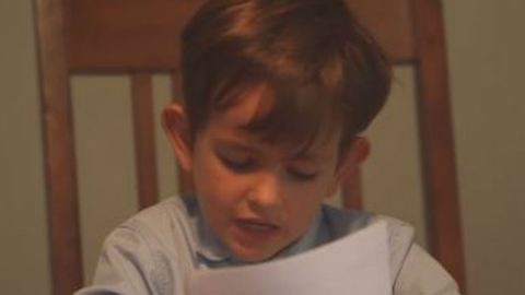 Megható levélben kérte Obamát a hatéves kisfiú, hogy szír testvére lehessen