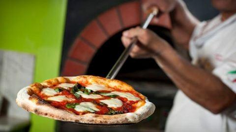 3 hiba pizzasütéskor – így rontják el a legtöbben otthon a pizzát