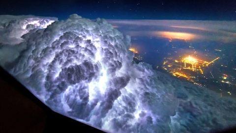 Így még vihart biztosan nem láttál – bámulatos fotók repülőgépből