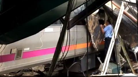 Belerohant az állomásba a vonat, több mint százan megsérültek