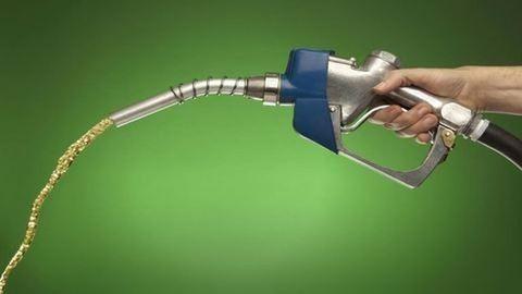 Fájóan változik a benzin ára