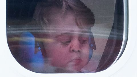 György herceg ablaküveghez nyomott arcánál nem lesz ma cukibb