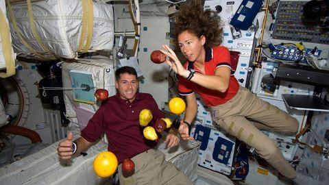Kólaautomata és űrgarnéla – ilyen az étkezés az űrben