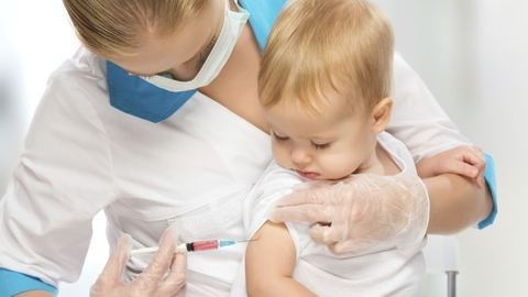 Ingyen adják a súlyos betegség elleni vakcinát