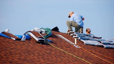 Tetőépítési tanácsok: csak garanciával vásárolj!