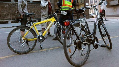 Börtön kéz nélküli biciklizésért