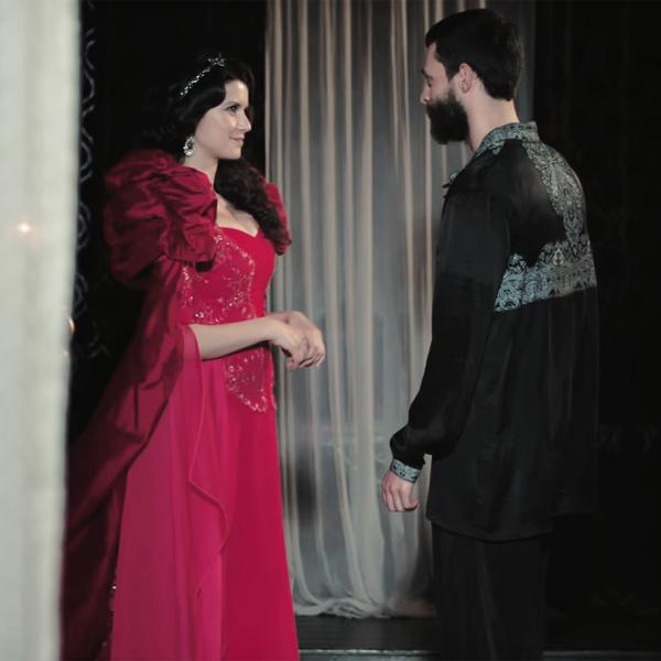 A TV2 sorozat főszereplőt cserélt, Beren Saat az új Szultána
