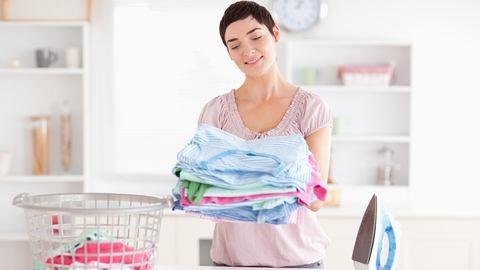 Unod, hogy mosószerfoltosak maradnak a ruháid? – Így adagold a mosószert – trükkök és praktikák