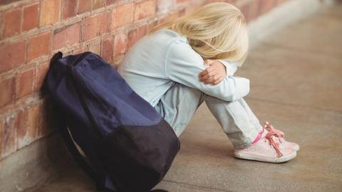 Durva! Osztálytársa bugyijába nyulkált a 8 éves fiú