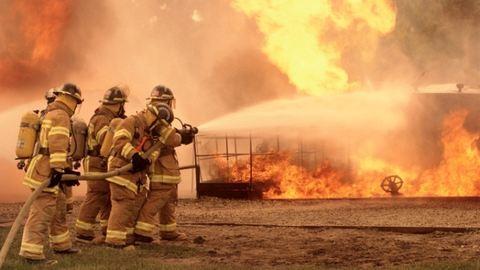 Lángokban állt a balatoni kikötő