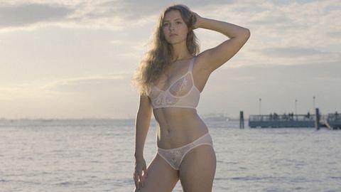 Így néznek ki retus nélkül a fehérneműmodellek – fotók