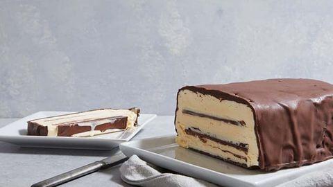 A világ legegyszerűbb fagyitortája Kit Katből