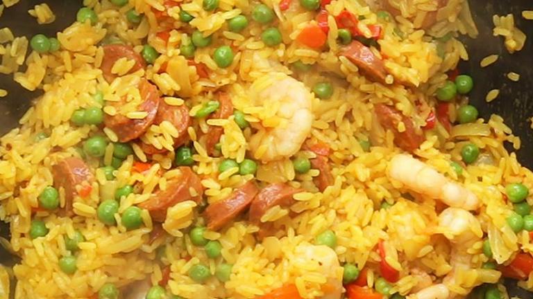 Gyors vacsora: fűszeres rizs pirított rákocskákkal
