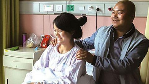 Elvetette gyermekét, hogy megmentse a bátyja életét