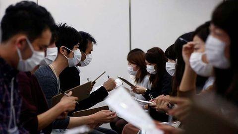 A japánok szerint a maszk viselése a sikeres randi titka
