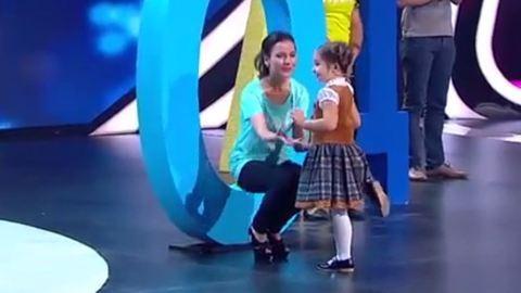 Elképesztő! 7 nyelven beszél a 4 éves kislány