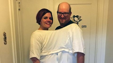 Zseniális fotóval ünnepelte a házaspár a feleség nagy fogyását