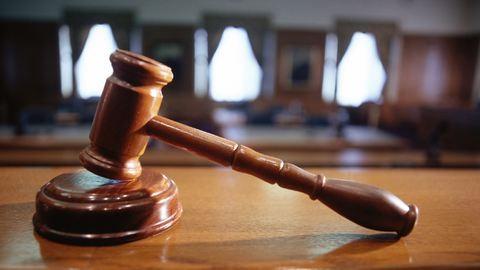 Enyhébb büntetést kapott a meggyilkolt csecsemő apja