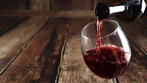 Így teheted ihatóvá a pocsék borokat is
